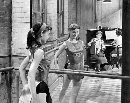 Audrey Hepburn (2)